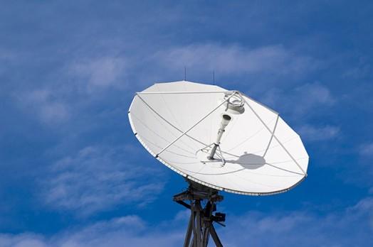 СПУТНИКОВОЕ И ИНТЕРНЕТ (IPTV) ТЕЛЕВИДЕНИЕ. 20 ЛЕТ ОБСЛУЖИВАНИЯ СПУТНИКОВОГО TV В ПОРТУГАЛИИ.