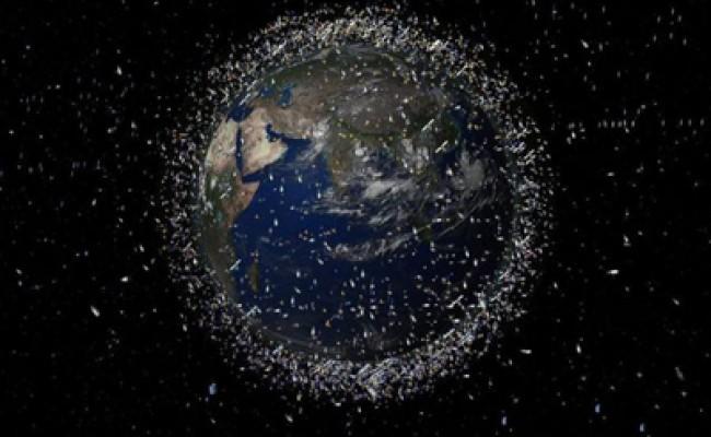 Швейцария займется уборкой космического мусора