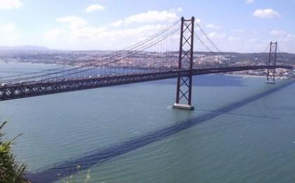 Мост 25 Апреля парализует забастовка
