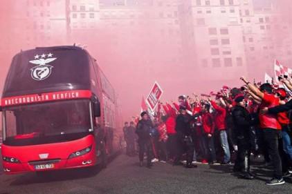 Португалия: автобус «Бенфики» закидали камнями