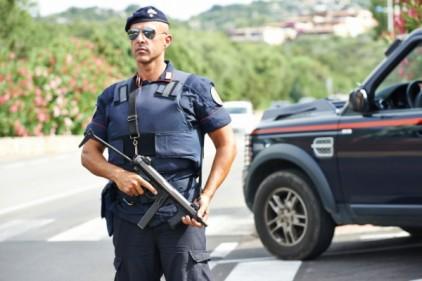 Италия: арестованы двое предполагаемых перевозчиков нелегальных мигрантов
