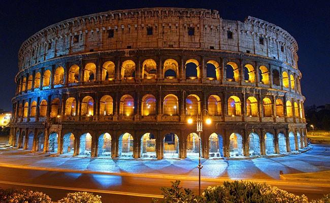 В Италии туристы ограбили Колизей