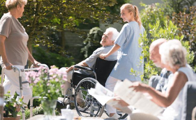 Португалия: появятся 3000 новых рабочих мест по уходу за пожилыми