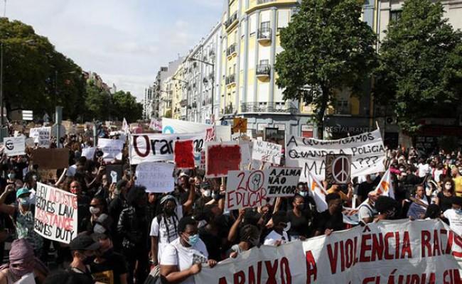 Португалия: митинг против расизма в Лиссабоне и Порту