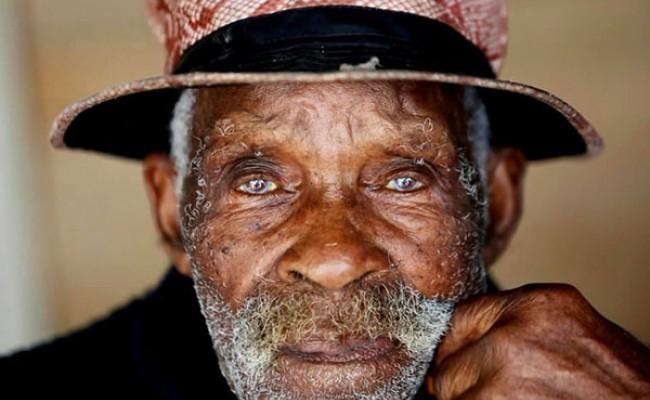 Умер старейший в мире мужчина