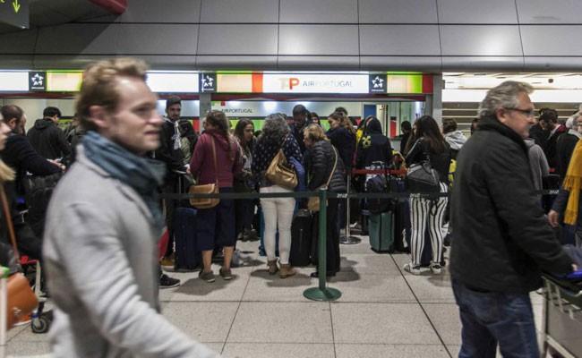Португалия: жалуются на аэропорт...