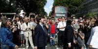 Поклонники Beatles воссоздали фотографию на Abbey Road