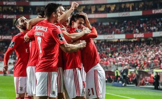 Португалия: «Бенфика» забила 10 мячей в ворота аутсайдера