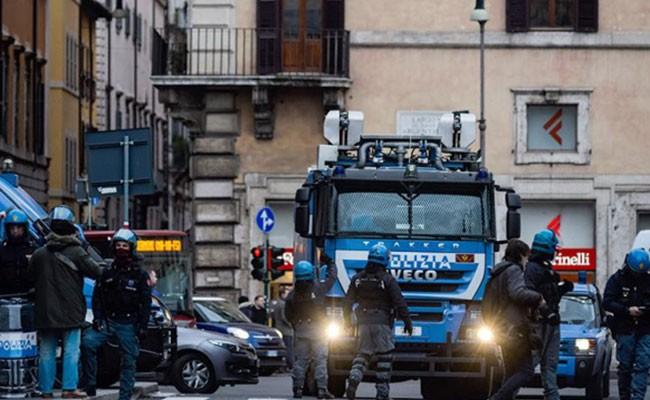 В Италии эвакуировали более 20 тысяч человек из-за авиабомбы