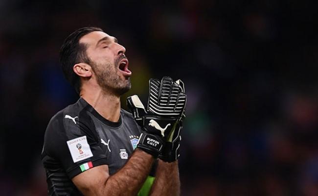 Буффон расплакался и завершил карьеру в сборной Италии