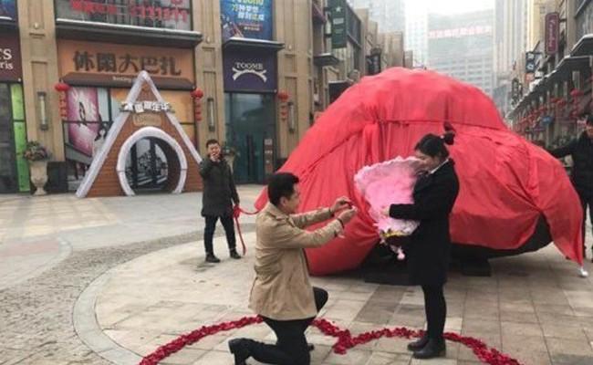 Китаец подарил невесте 33-тонный камень вместо квартиры