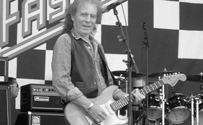 Умер гитарист Motörhead Эдди Кларк