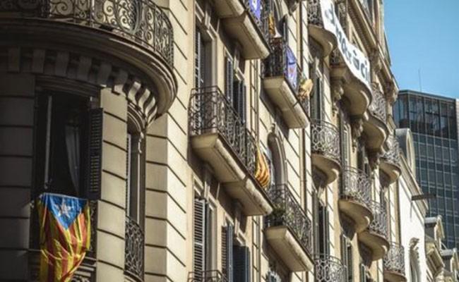 Почти 400 компаний ушли из Каталонии после референдума