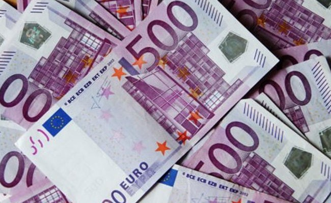 Минимальную зарплату в Испании поднимут до 900 евро