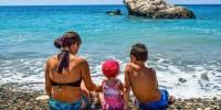 Названы лучшие страны для отдыха с детьми