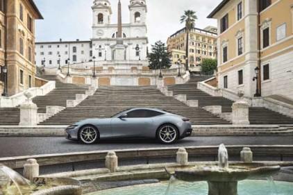 Италия: Ferrari представила 600-сильное купе Roma
