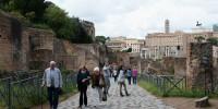 Итальянцы массово отказываются от государственной субсидии
