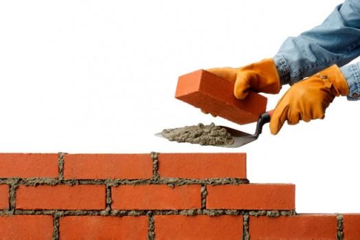 Требуются carpinteiros, каменщики, гипсокартонщики, плиточники-универсалы