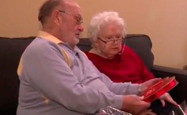 Престарелый американец подарил жене один и тот же подарок 39 раз подряд