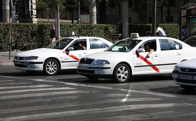 В Испании таксист был заснят за употреблением кокаина за рулем