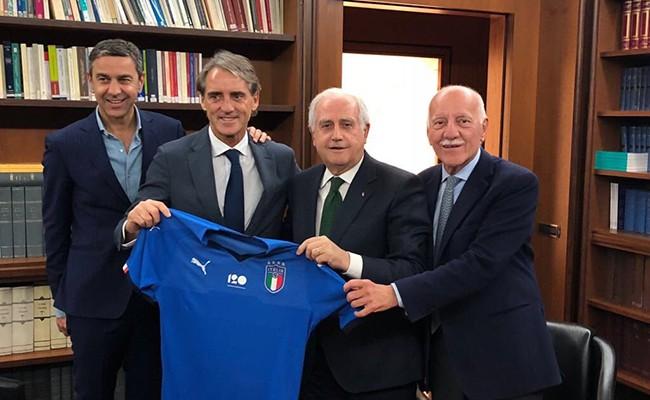 Манчини возглавил сборную Италии