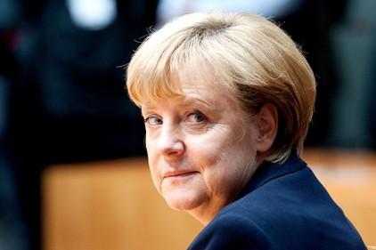 Меркель заявила, что ЕС не отменит визы для Украины и Грузии