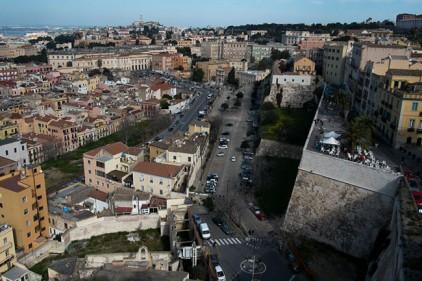 Итальянцы начали продавать дома за один евро