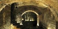 Италия: маскарадное шествие в Подземном Музее Неаполя
