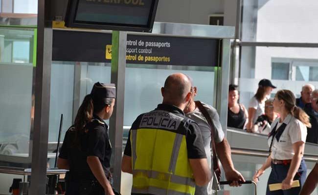 Испания: полицейским Каталонии повысят зарплату