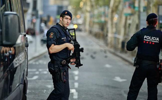 Испания: Каталонскую полицию вооружили электрошокерами