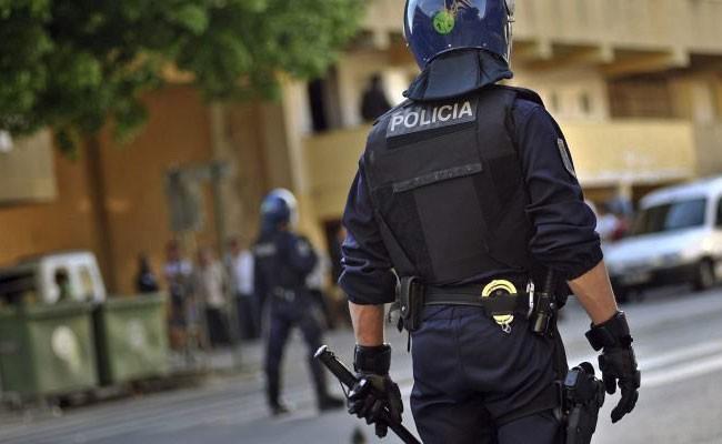 Полицейские заинтересовались накладными ягодицами бразильца