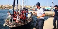 Италия закрыла порты для мигрантов