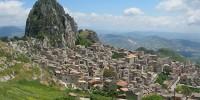 Италия: на Сицилии хотят возродить город-призрак