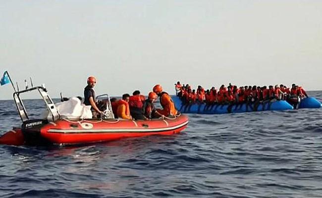 Незаконно доставившее мигрантов в Италию судно конфисковали