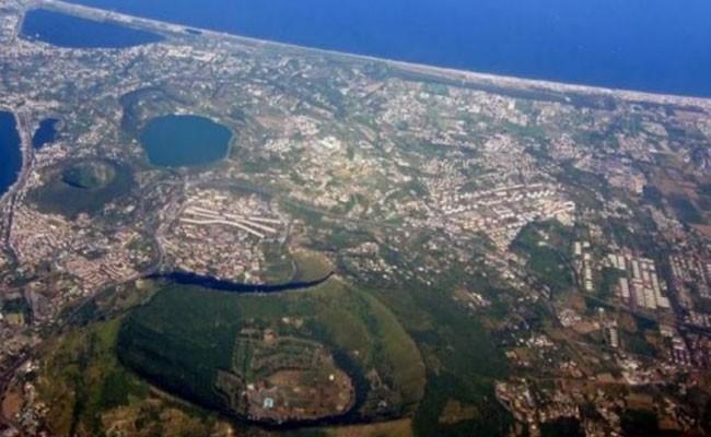 Италия: подземные толчки в зоне Флегрейских полей