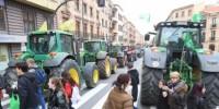 Испанские трактористы протестуют против низких цен