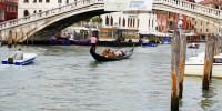 Италия: японец прыгнул с доской с моста Скальци в Венеции
