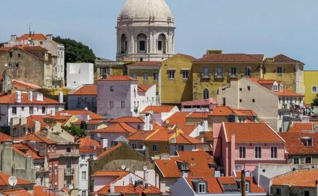 Объем инвестиций в «золотую визу» Португалии снизился