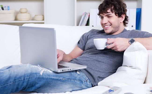 Испанцы предпочитают работать дома