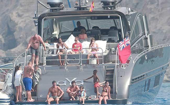 Португалия: на яхте Криштиану Роналду провели обыск